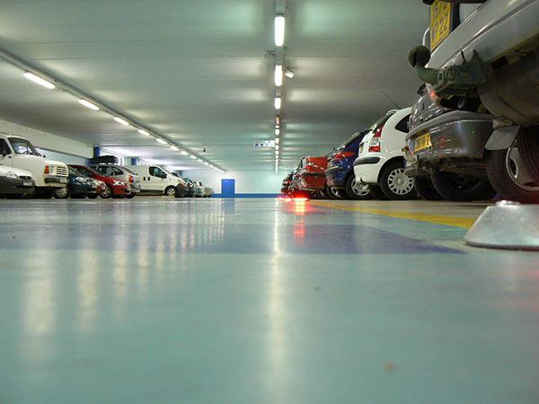 Sistema-verifica-targa-parcheggi-con-sbarre