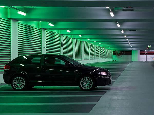Verifica-targa-auto-parcheggi-automatizzati